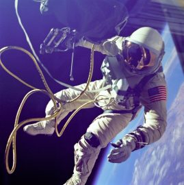 astronaut-astronomy-cosmonaut-galaxy-355956